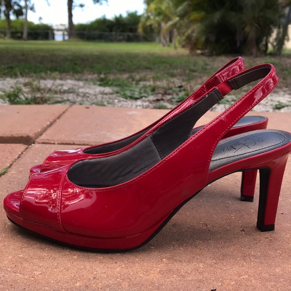 6b47900a29 Life Stride Shoes - Size 8.5 Red Life Stride soft system heels
